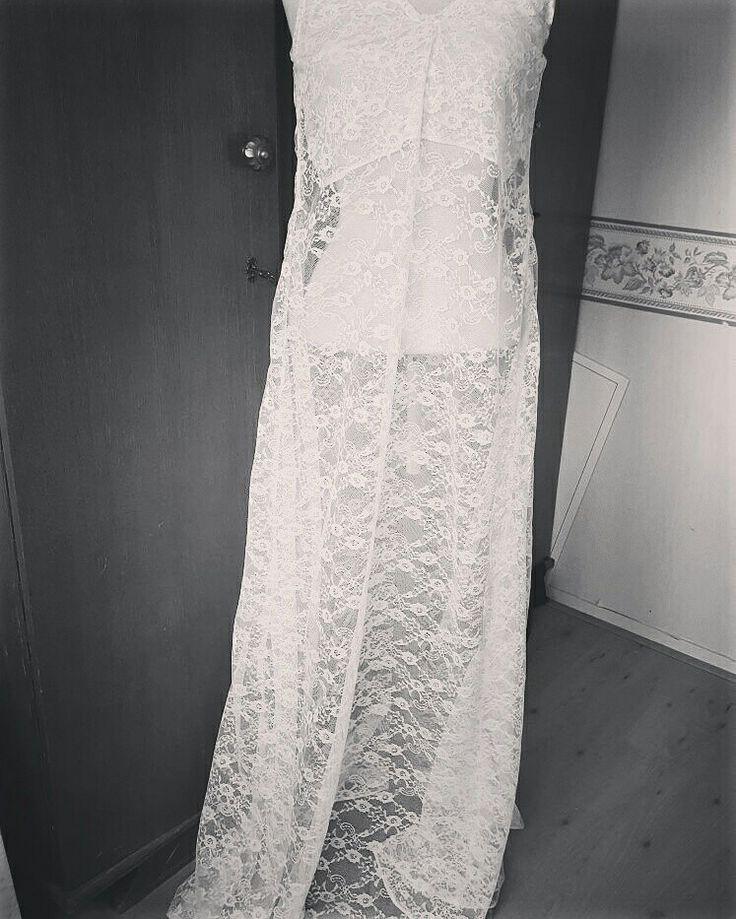 #lace #bride #bridallingerue #wedding  #bride #lingerie #whitelace #lace #nightgowns #nachtjapon  #weddingnight #huwelijksnacht