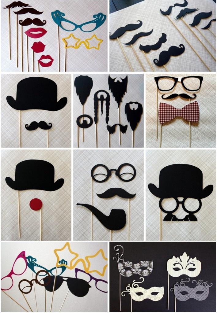 Accessoires pour un photobooth mariage. faux chapeaux, moustaches et lunettes :-)