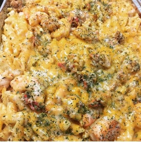 Seafood Mac and Cheese! Yummers.