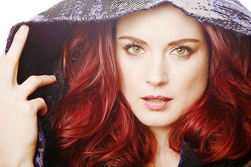 Alexandra Breckenridge from American Horror Story season 1 she played the younger version of Moria - her hair color is the inspiration for my character Adra