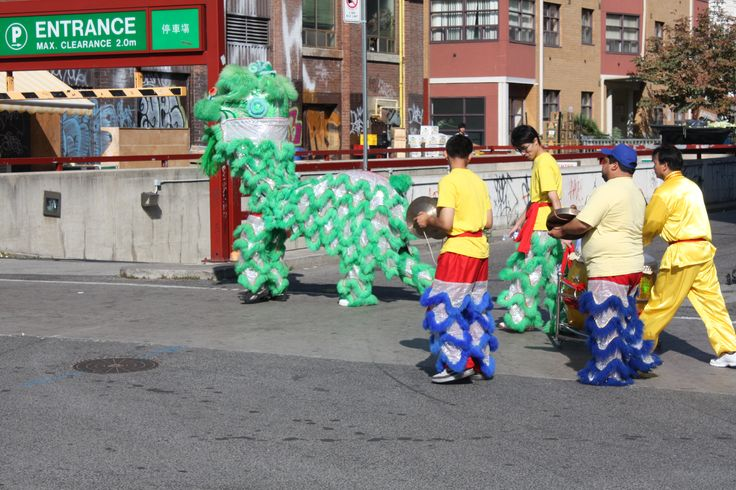 Dragons dancing along Spadina & Dundas