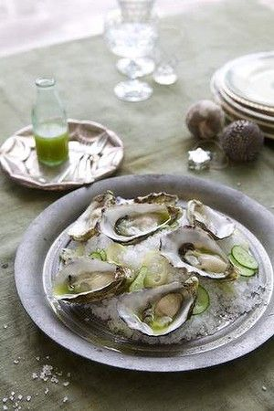 Oysters with a 'gin and tonic' dressing.
