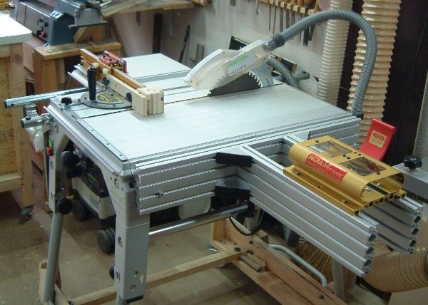 CMS Router table set.