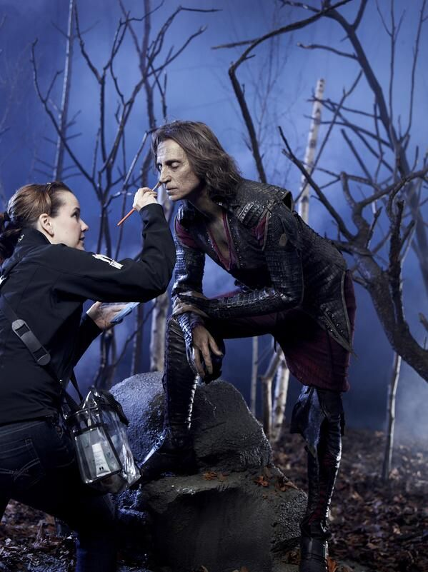 Robert Carlyle (Rumplestiltskin) on the set of Once Upon A Time. #OUAT