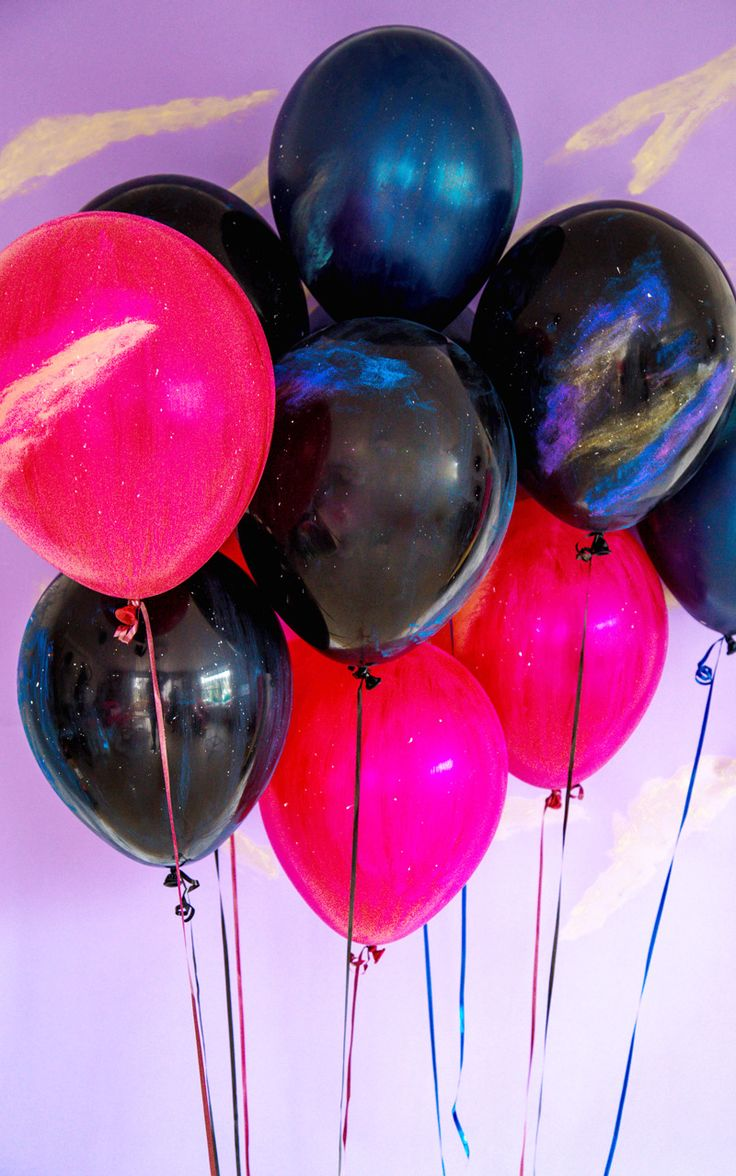 DIY galaxy balloons to celebrate the late evenings of summer fun http://asubtlerevelry.com/stargazer-galaxy-balloons/