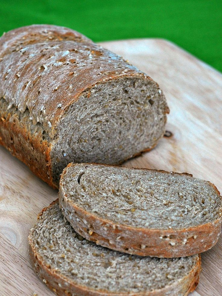 Embrace your Irish side with this heart-healthy Irish oatmeal bread. Steel-cut oats and whole wheat fiber provide you with 3 grams of fiber and 5 grams of protein per slice! St. Patrick's Day is ar...