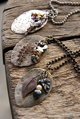 OMG!!! love this!!!Flattened spoons - this one is the coolest ever. I bought some old spoons on flea market and flattened them with a hammer. You need the right tools for cutting the handles and drilling the holes. Or you find yourself a handyman. put a little silver heart, a small key and some beads.