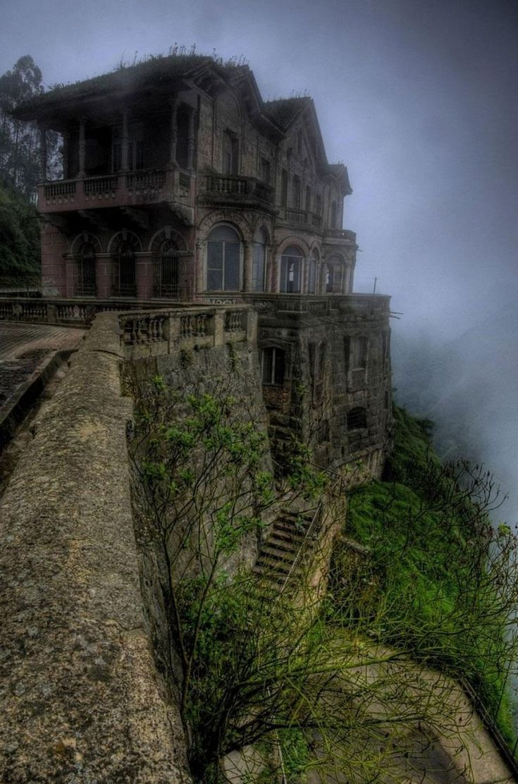 The Hotel De Salto opened in 1928 near Tequendema Falls in Colombia to serve tourists who came to marvel at the 157 meter-tall waterfall. It closed down in the early 90s after interest in the waterfall declined. In 2012, however, the site was turned into a museum.