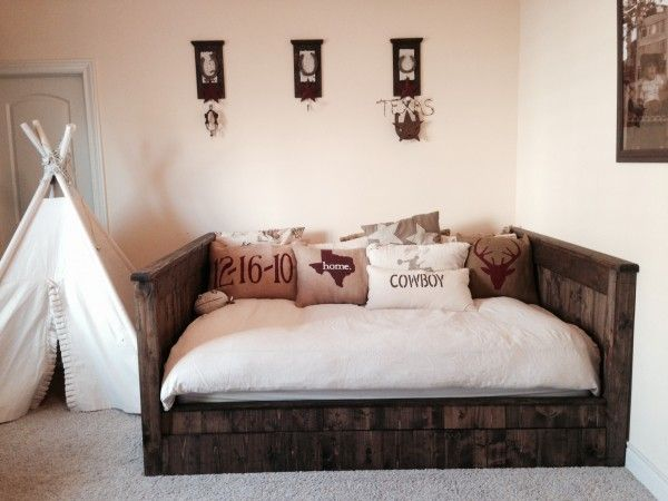 gorgeous diy wood daybed extra seating and guest sleeping plans by ana-white.com
