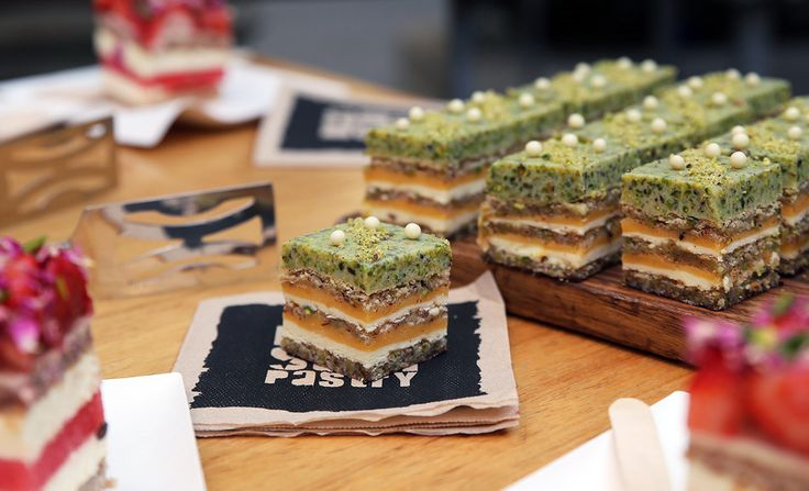 【Australia】Pistachio #Lemon Zen Cake – Black Star Pastry #sweet #cake #delicious #cutter #slicing #baker #Dessert #cheesecake