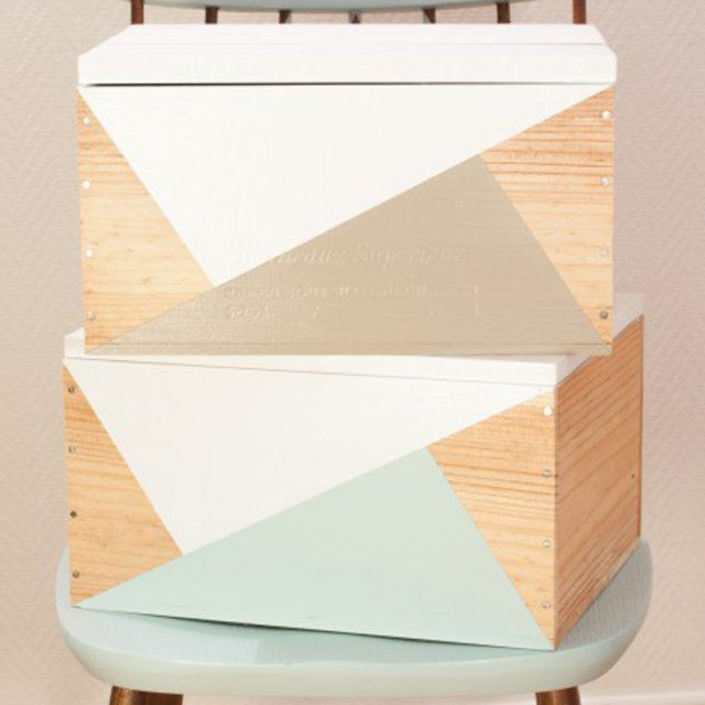 Des caisses de rangement en bois