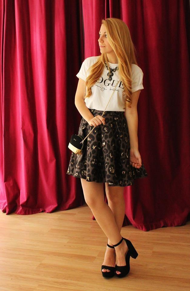 NUEVO OUTFIT con Vogue y estampado de leopardo, la prenda de mayor tendencia en #colettemoda!  FALDA LEOPARDO > http://www.colettemoda.com/producto/falda-leopardo/  #colettepalencia #estilo #paris #FW15 #outfit