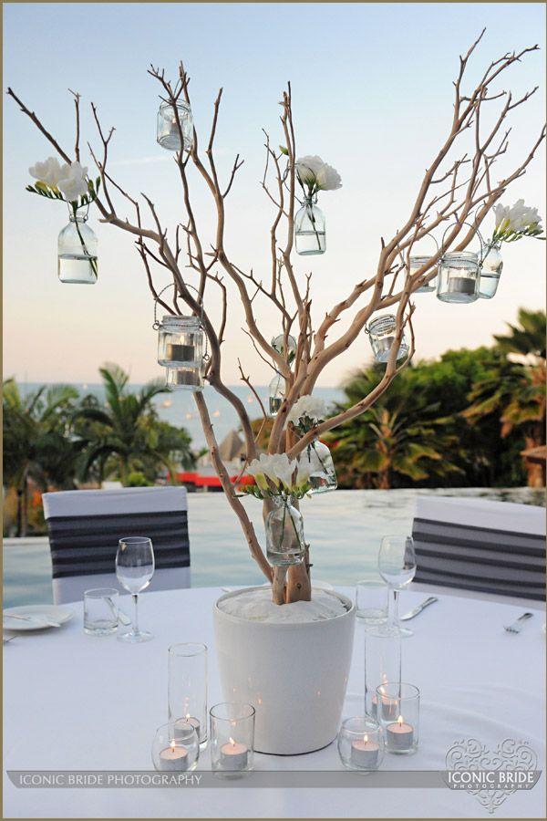 木にジャーをいくつもぶらさげて : ため息がでるほどにうつくしい海外ウェディングのアイデア集 - NAVER まとめ