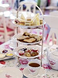 We've all experienced the afternoon slump around 3 or 4 in the afternoon. Well, the Brits did us all a big favor and invented afternoon tea to add some energy into your midday routine. New York does tea time as elegant and luxurious as the best of them, so here are our picks for the best places to grab a cup of your favorite tea with a side of scones and finger sandwiches.