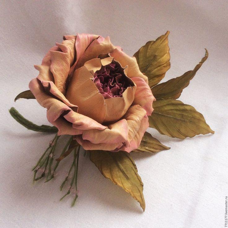 """Купить Брошь из натуральной кожи- Роза по имени """"Gloria Dei"""" - бежевый, бежевая кожаная роза"""