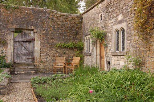 always dreamed of a walled garden