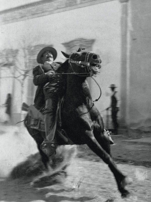 Siete Leguas El Caballo De Pancho Villa Revolucion De Mexico Pancho Villa Heroes De Mexico
