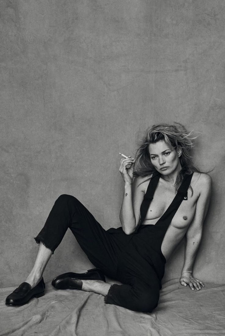 dseclectic:Kate Moss by Peter Lindbergh for Vogue Italia January 20154 | We are so Droeë