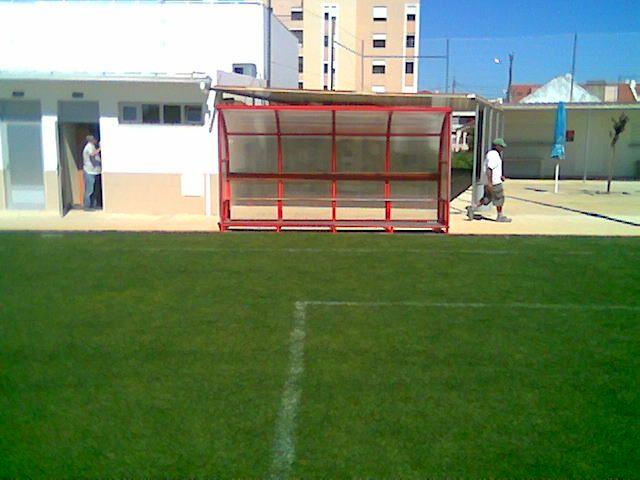 Fornecimento de bancos para suplentes futebol