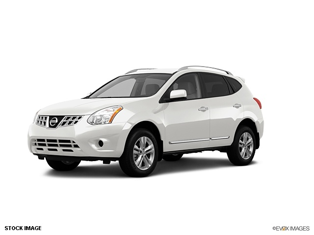 Nissan Rogue 2012 white!