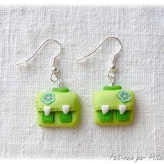 Boucles d'oreilles cartables verts en fimo