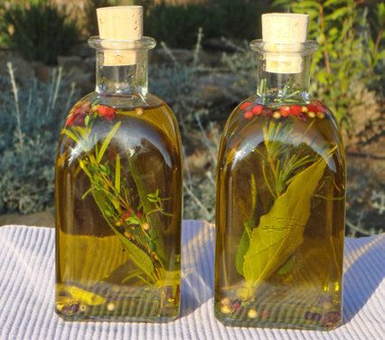 Tuscan Olive Oil - with herb bundles you make a little bouquet with one sprig of rosemary, 3 of thyme, 2 sage leaves with stem and one bay leaf with stem.
