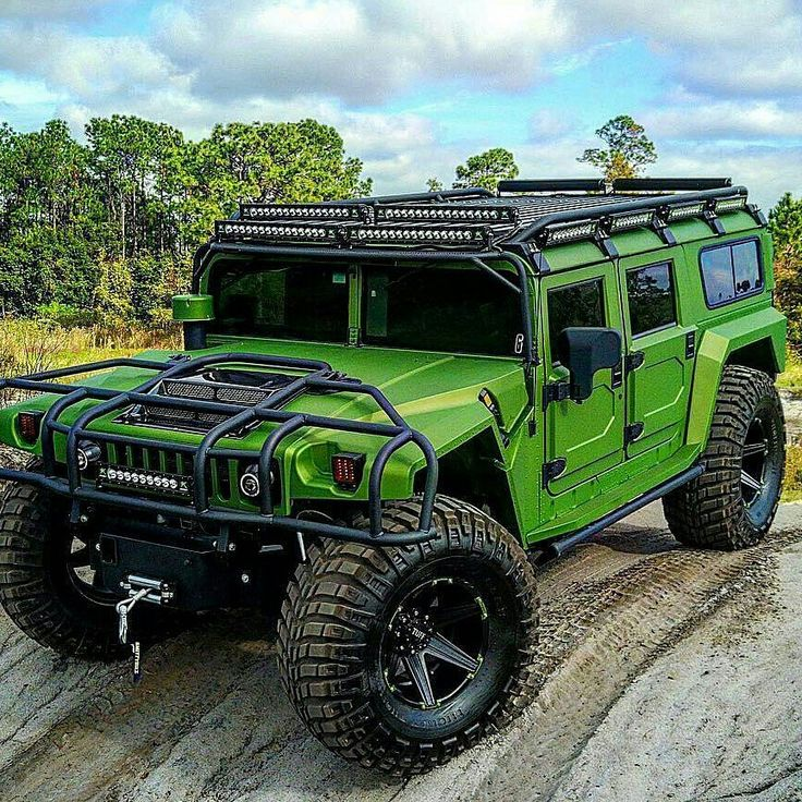 Green Hummer H1