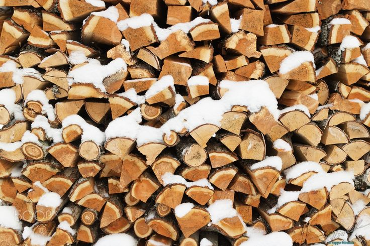 Chopped firewood - null