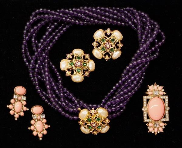 4709: Elizabeth Taylor costume jewelry on | Actress ...