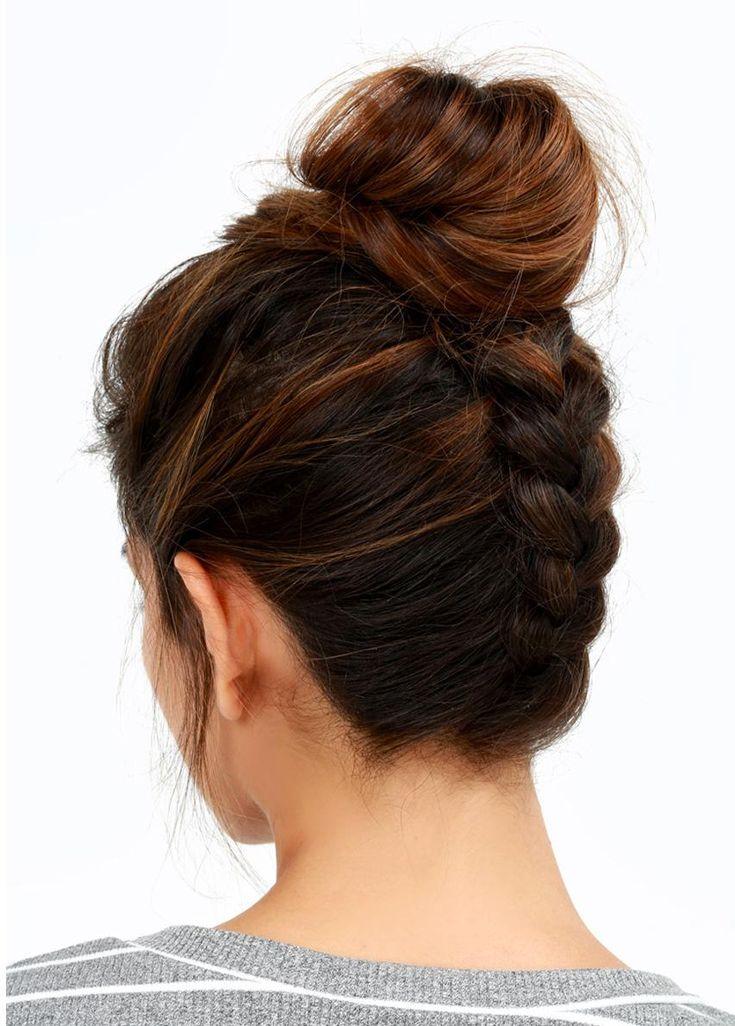 Express ou travaillés, les chignons offrent mille idées de coiffures pour les cheveux mi-longs et longs! En voici 15 faciles à réaliser pour se sentir belle les cheveuxrelevés.