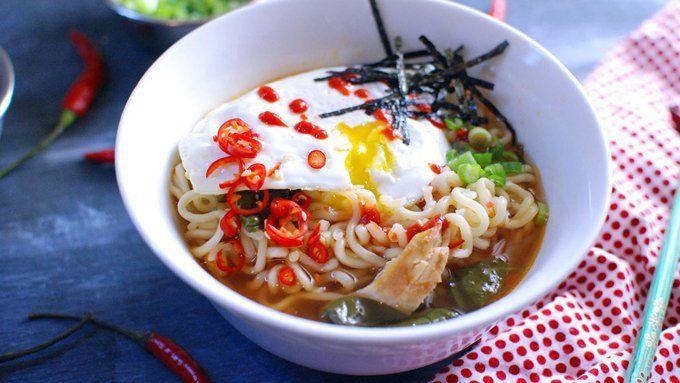 Chicken, fresh spinach and sriracha turn ramen noodles into a gourmet meal that's better than packaged ramen, but cheaper and easier than a restaurant.