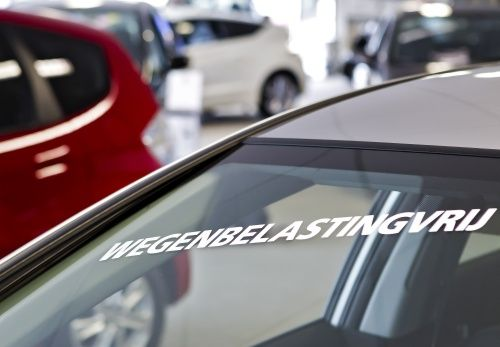 Sprzedaż samochodów osiągnęła nowe minimum