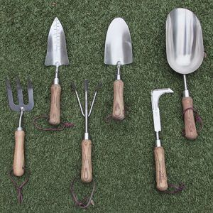 To get that perfect garden we need that perfect tool. Everything from, weed edger to beautiful stainless steel spades, we have it. I just love adding to my collection, I am sure you will have fun adding to yours.