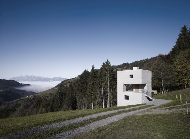 Mountain Cabin,© Marc Lins