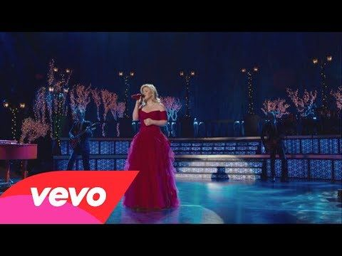 """Kelly Clarkson is joined by Reba McEntire and Trisha Yearwood for this glorious version of """"Silent Night"""" 