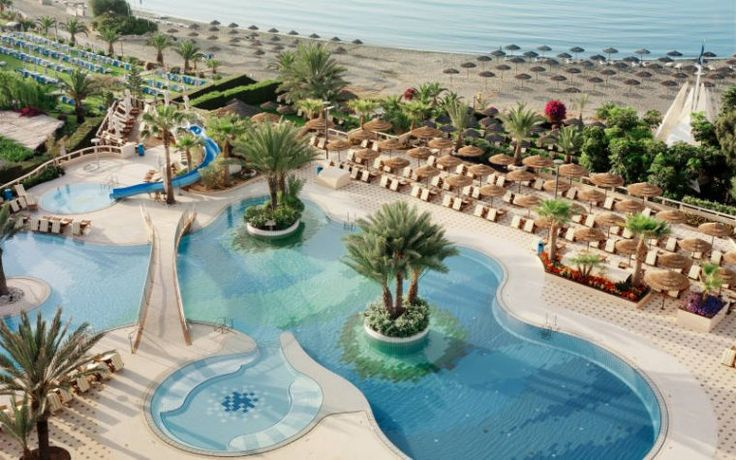Four Seasons Hotel Cyprus. Great resort in Sharm El Sheikh For luxury holidays for families. #luxuryfamilyholidays #luxuryholidaysfamilies