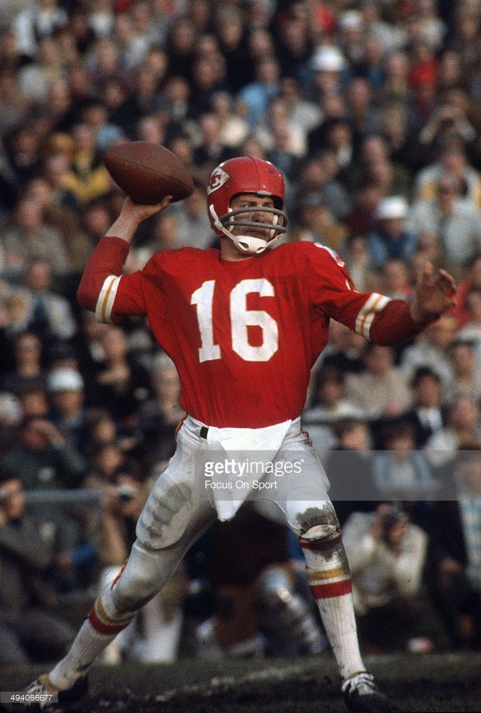Len Dawson #16 of the Kansas City Chiefs drops back to pass against the Minnesota Vikings during Super Bowl IV on January 11, 1970 at Tulane Stadium in New Orleans, Louisiana. The Chiefs won the Super Bowl 23-7.