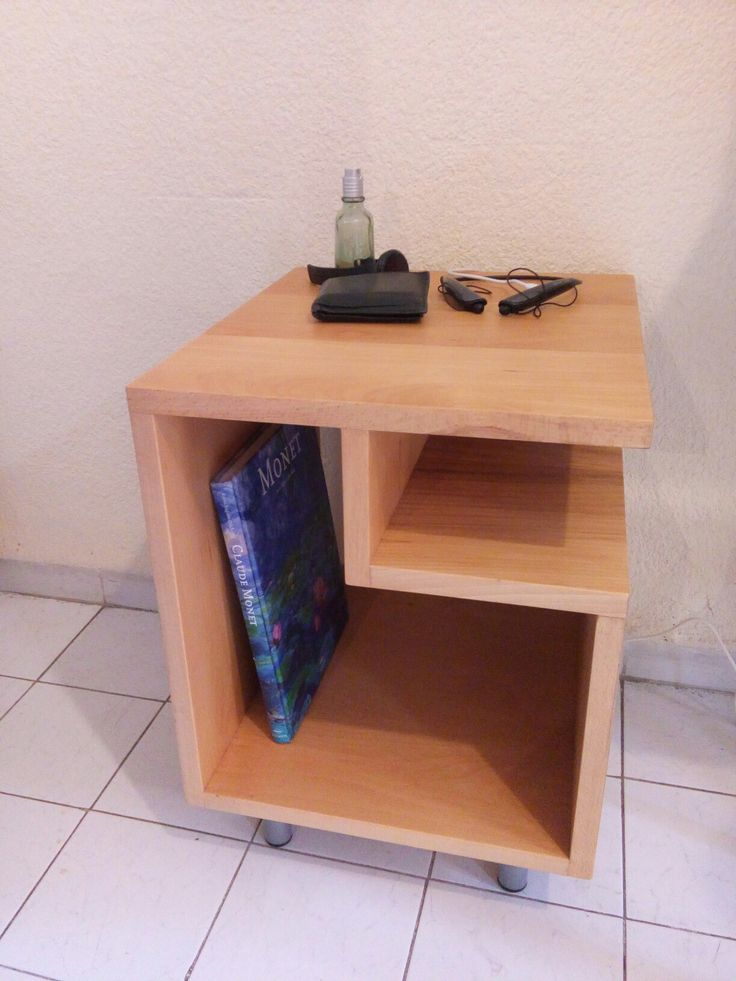 HUsB.   mesa con conector usb madera haya
