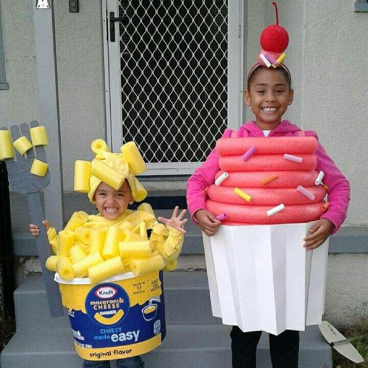 Diy Mac and cheese and cupcake Halloween costumes   homemade Halloween costumes for kids