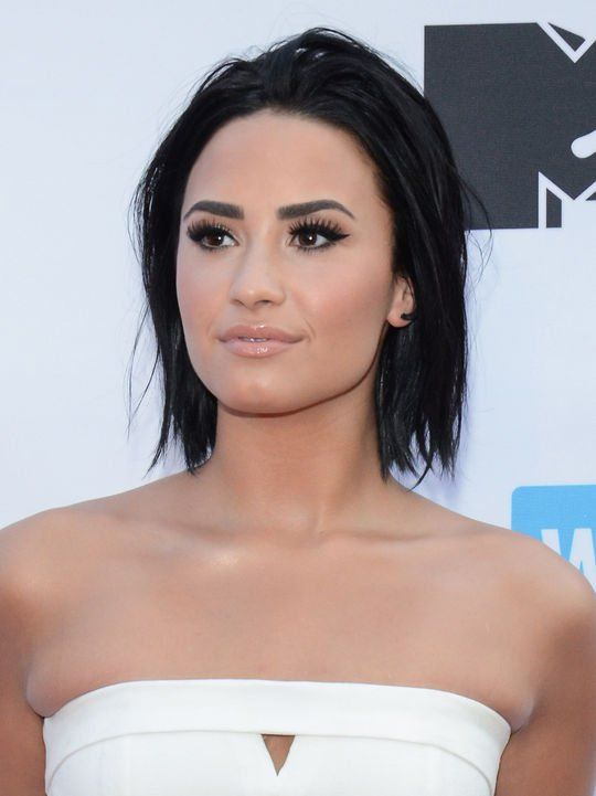 Best Celebrity-Inspired Messy Hairstyles, check it out at http://makeuptutorials.com/demi-lovato-bob-haircut-makeup-tutorials