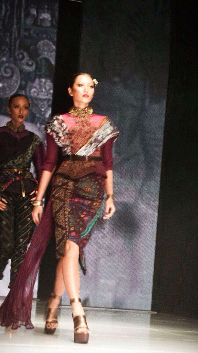 JFFF AWARDS feat Deden Siswanto @DenSiswanto 'Culturecstatic'  @JFFF_Info from my  #PathFashionReport #tenun #ikat #bali #fashion #indonesia #jfff #jf3 #dedensiswanto #appmi