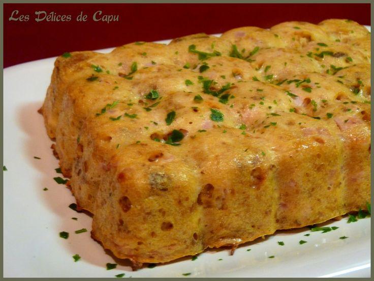 Gâteau de pain rassis au jambon et au comté                                                                                                                                                                                 Plus