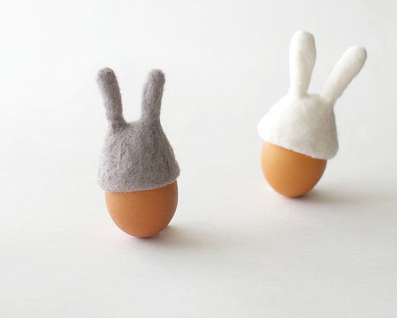 Easter Bunny Egg Warmers from Etsy store FeltStory.