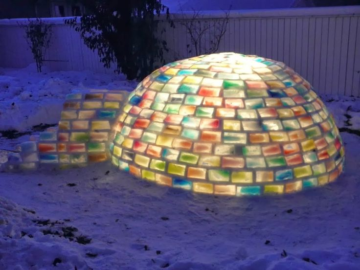 What This Couple Built In Their Snowy Backyard Made Me Insanely Jealous. Seriously…Wow. | My99Post | Funniest Fail Pics | Motivational Poste...