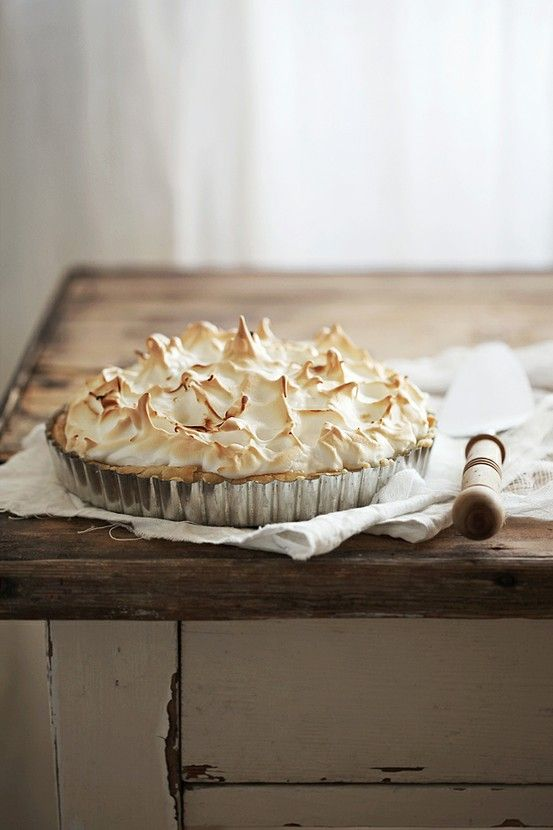 ooooo - lemon meringue pie - my favorite!!
