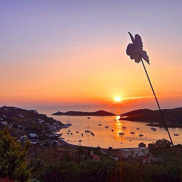 Beautiful sunset at Vourkari village , in Kea - Tzia island (Κέα - Τζιά) ☀️. Amazing colors in the air ...