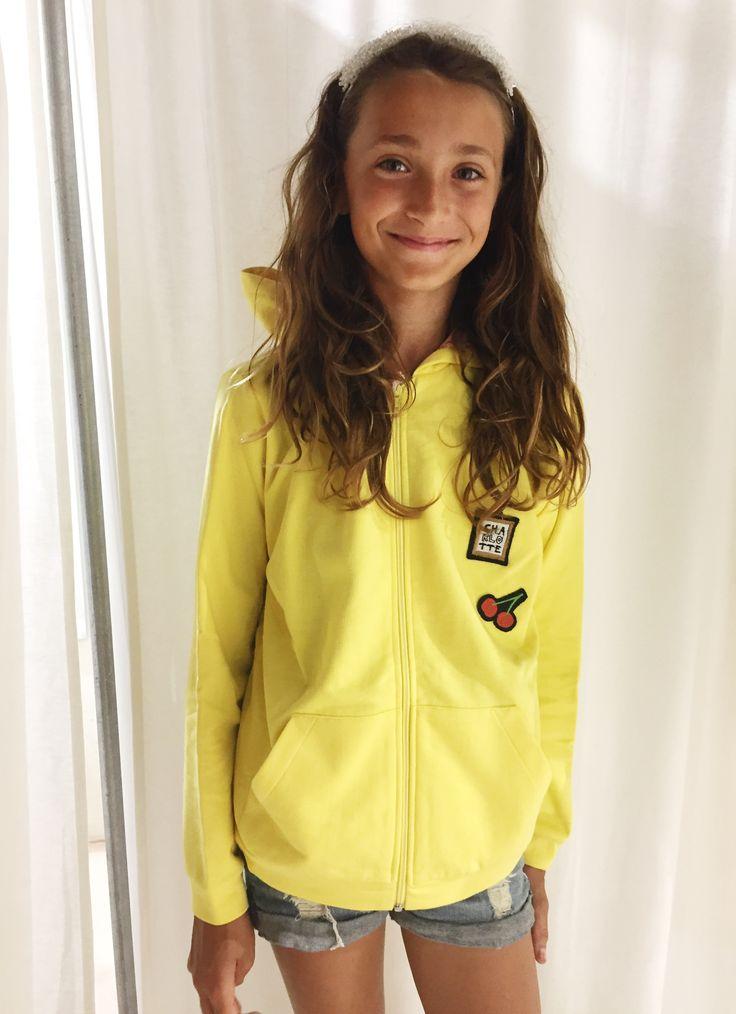 Charlotte Wix yellow hoodie!  .    . . . . . . #charlottewix#yellow#hoodie#girl#fashiondesign#fashionkids#ootd#newbrand#newcollection#ss17