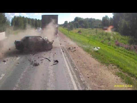 Compilation d'accident de voiture n°233