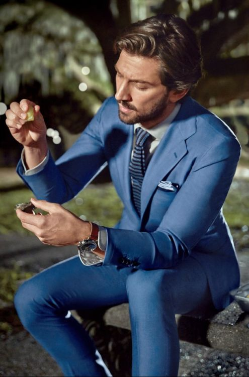 25+ best ideas about Slim Fit Suits on Pinterest | Fitted suits, Mens ...
