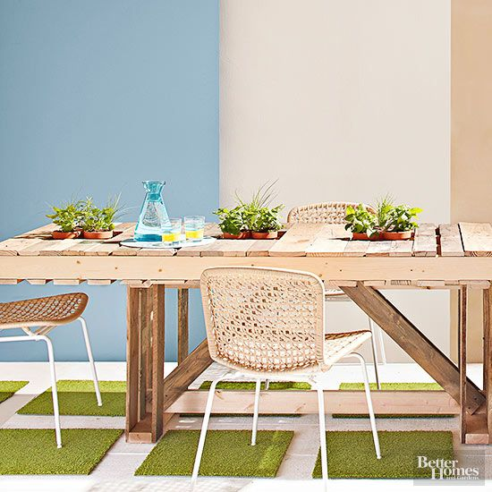 12 creative things to do with wood pallets outdoor for Things to do with pallets